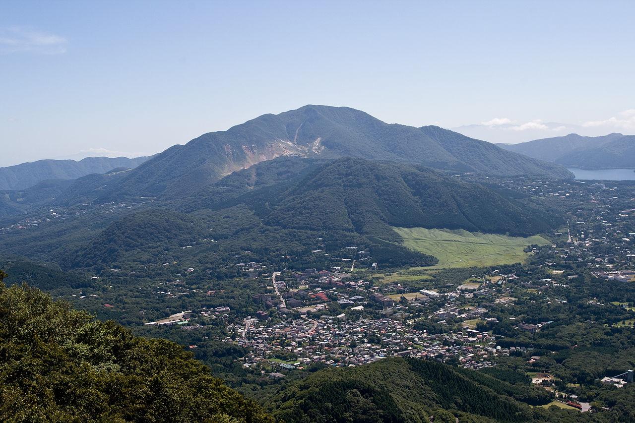 1280px-Mt.Kami_from_Mt.Kintoki_01