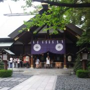 東京大神宮:人気のお守りとつける場所、恋みくじの内容は?